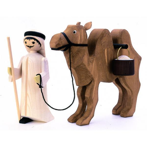 Ulmik - Kameltreiber mit Kamel Eimer gebeizt 13cm