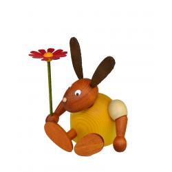 Drechslerei Martin - Hase mit Blume sitzend gelb