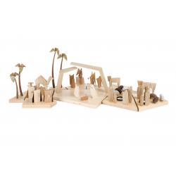Kneisz Design - Krippe Magdalena Heilige Familie mit Stall