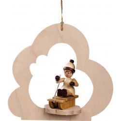 Richard Glässer - Baumbehang Wolke natur, Mädchen auf Schlitten
